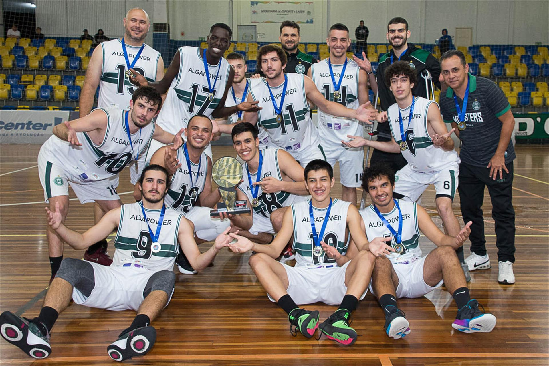 Coritiba Monsters conquista título